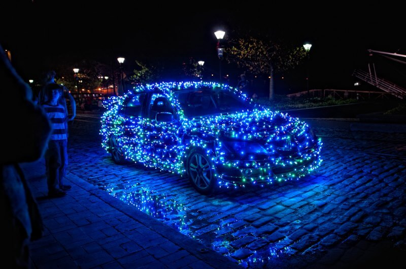 christmas lights car in blue